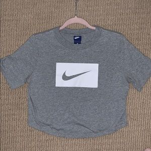 Nike Tops - Nike cropped t-shirt- never worn